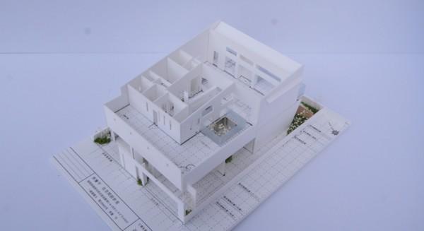 開放感あふれる暮らしを楽しむ★回遊する眺望リビングの家★の模型をホームページに記載しました_d0082356_16473583.jpg
