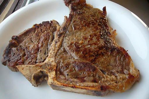 T-bone steak._c0153966_19363845.jpg