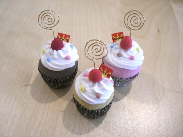 【4/1】フェイクスイーツをつくろう《カップケーキのクリップスタンド》_a0121669_224443.jpg