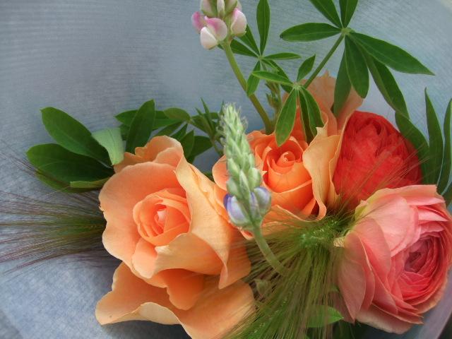 オークリーフ(卒業のお祝いの花束)_f0049672_18563031.jpg