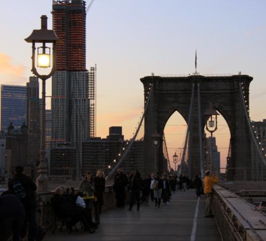 夕焼けの時間帯にブルックリン・ブリッジを渡ってみました_b0007805_12105477.jpg