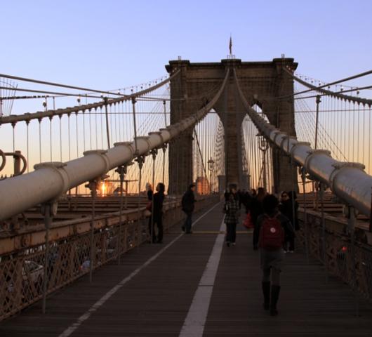 夕焼けの時間帯にブルックリン・ブリッジを渡ってみました_b0007805_129389.jpg