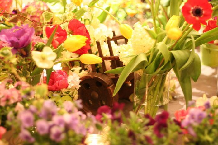 シェ松尾青山サロン様の装花 ポルトガル風_a0042928_18272052.jpg