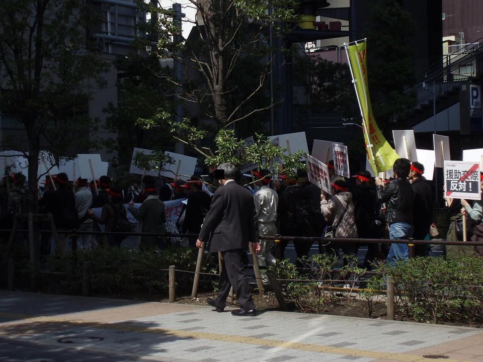 統一協会が秋葉原でデモ行進 「児童ポルノ規制強化」を訴える_f0030574_0511937.jpg
