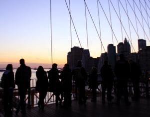ブルックリン・ブリッジからDUMBOへ:ニューヨークの夜景を楽しむ_b0007805_21471751.jpg