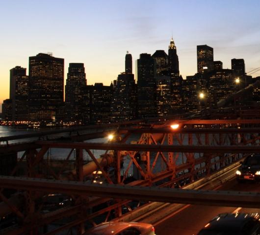 ブルックリン・ブリッジからDUMBOへ:ニューヨークの夜景を楽しむ_b0007805_2148654.jpg