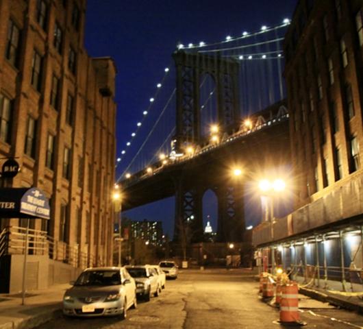 ブルックリン・ブリッジからDUMBOへ:ニューヨークの夜景を楽しむ_b0007805_21495650.jpg