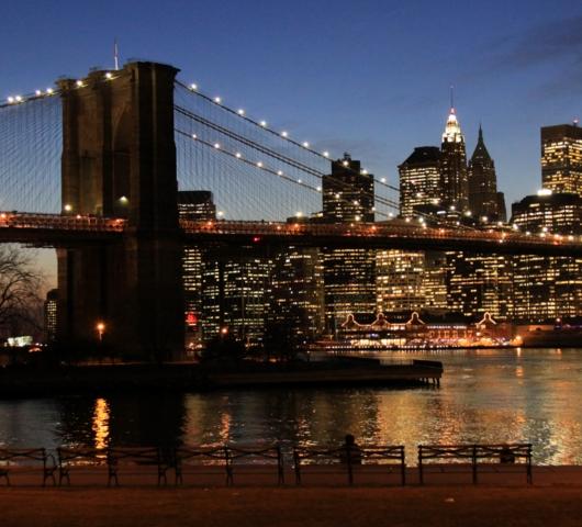 ブルックリン・ブリッジからDUMBOへ:ニューヨークの夜景を楽しむ_b0007805_22172722.jpg