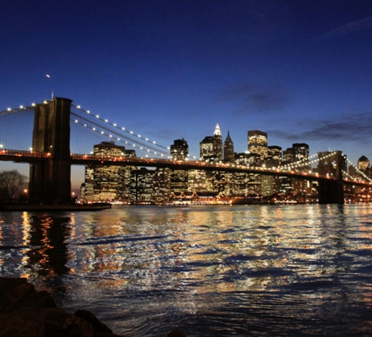 ブルックリン・ブリッジからDUMBOへ:ニューヨークの夜景を楽しむ_b0007805_22181865.jpg