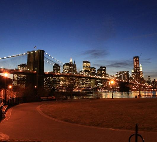 ブルックリン・ブリッジからDUMBOへ:ニューヨークの夜景を楽しむ_b0007805_22618100.jpg