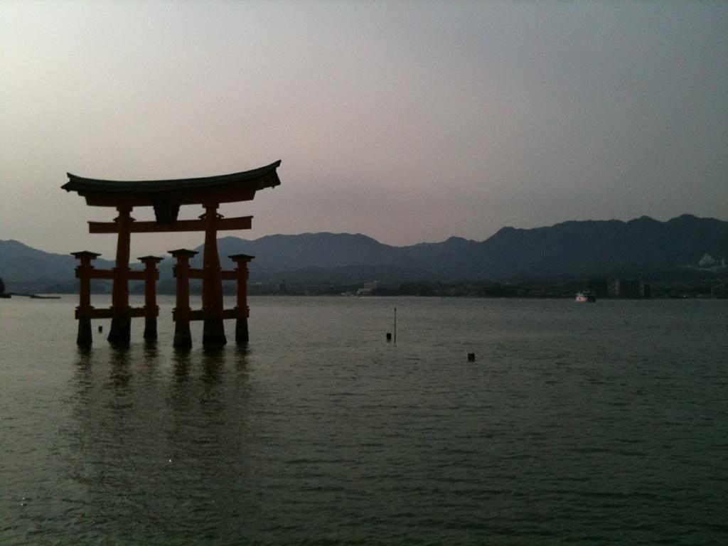 厳島神社_f0076322_16523071.jpg