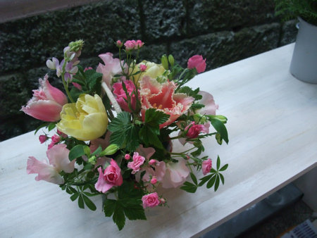 プレゼントの花籠_c0173978_0155523.jpg