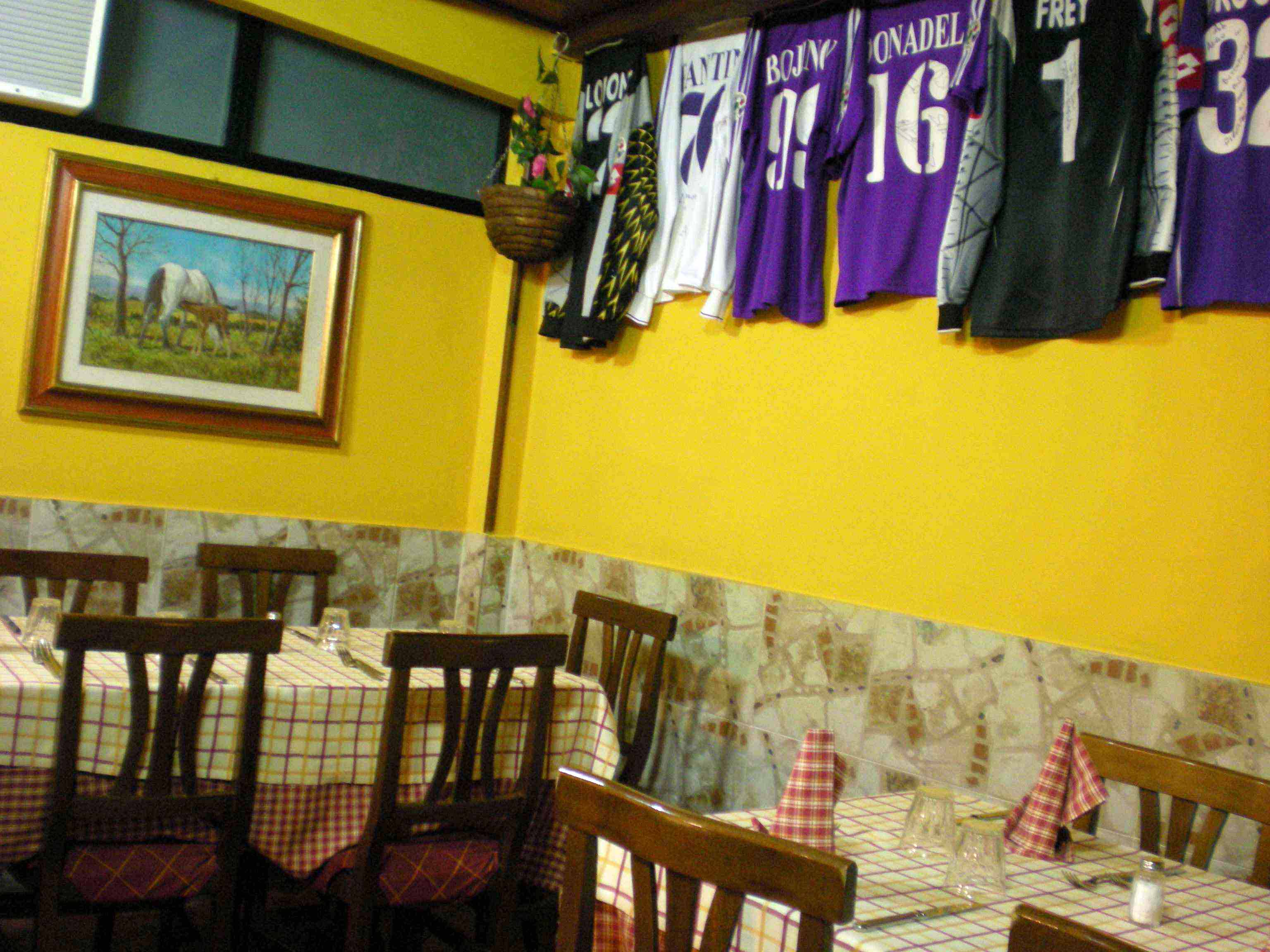 地元のレストラン!!_c0179785_5592759.jpg