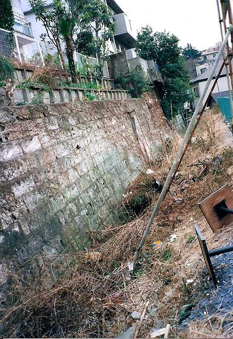六本木、麻布十番、元麻布の川跡(2)旧麻布宮村町の湧水の流れ_c0163001_0301326.jpg