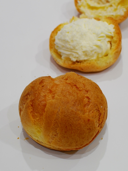 昭和村 角田製菓のシュークリーム_c0177814_0471075.jpg