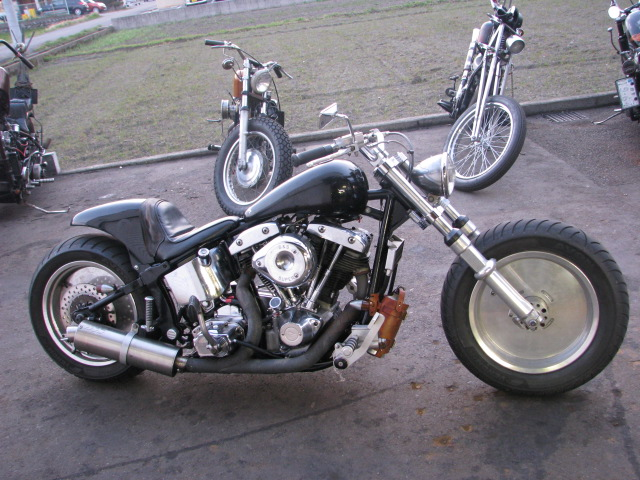 SHOVELHEAD ON SOFTAIL_a0165898_124033.jpg