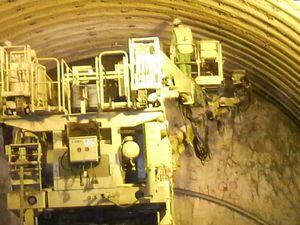 見えない技術<長手トンネル視察>_d0129296_1233019.jpg