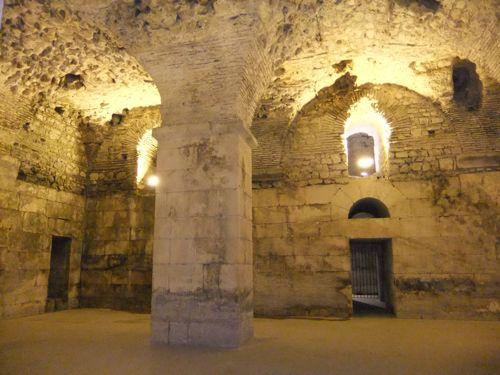 クロアチア(スプリット)デオクレアヌス宮殿_d0148902_2042078.jpg
