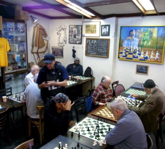 トンプソン通りにあるチェス専門店 Chess NYC_b0007805_21421162.jpg