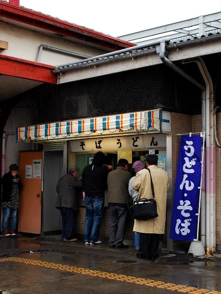 JR伊勢崎駅の立ち食いそば店が閉店_c0177814_1964096.jpg