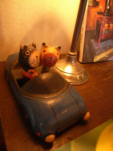 暖炉と照明器具_f0224060_2213415.jpg