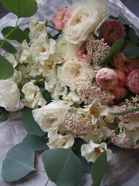 オークリーフ(オードリーとラナンキュラスの花束)_f0049672_176196.jpg