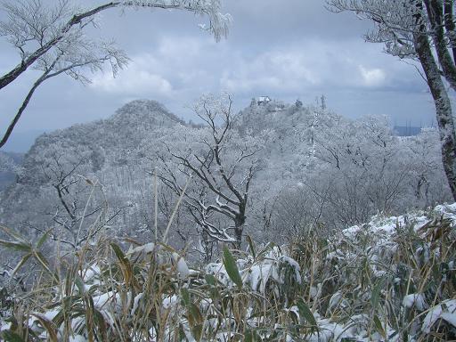 山が白くなっている~  英彦山へ_e0164643_2147659.jpg