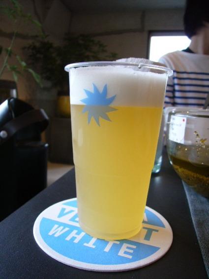 新しいベルギービール_a0116902_1115855.jpg