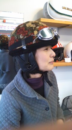 ヘルメット試着_a0165286_223723100.jpg