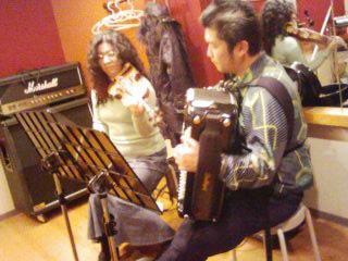 旅するアコーディオン奏者 田ノ岡三郎さんのHP紹介_b0169403_20265082.jpg