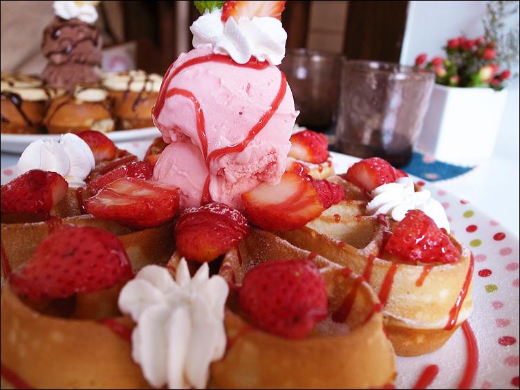 HANA──草莓花型鬆餅_c0073742_2242338.jpg