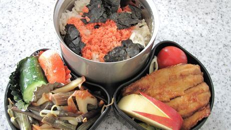 いわしの蒲焼&山菜煮お弁当_c0075701_15344664.jpg