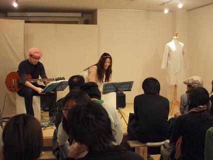 東京展のことと新聞に載せてもらうこと_d0051613_2232850.jpg