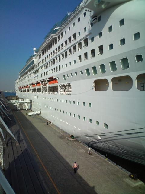 国際大型豪華客船乗船中!!_b0032617_17501080.jpg