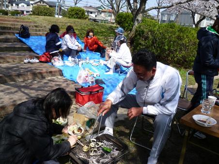 油山恒例 花見の宴 2010_c0067645_17505869.jpg