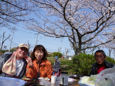 油山恒例 花見の宴 2010_c0067645_17532738.jpg