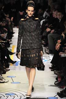 2010秋冬トレンドはスーツが回帰!_c0050387_1241261.jpg