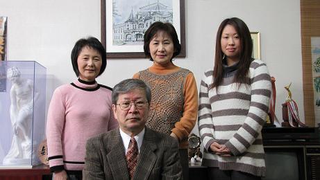 岡崎勝利さんが退職のご挨拶に_c0075701_20353493.jpg