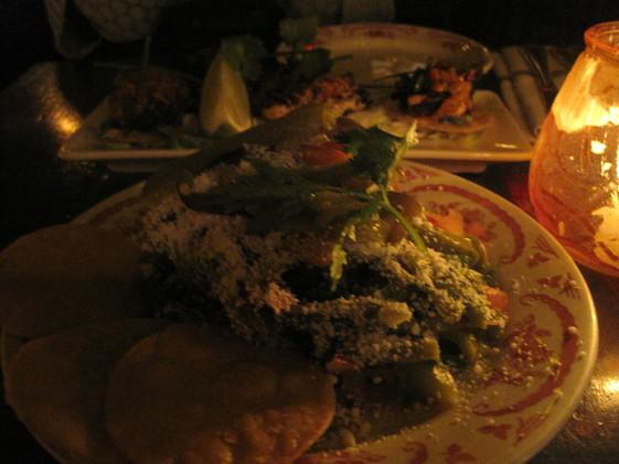 ニューヨークの人気レストラン La Esquina_e0131324_732690.jpg