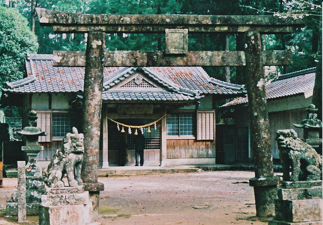 尾呂志神社_e0156251_23151562.jpg