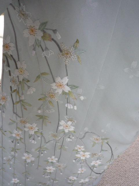 仕立てないで寝かせていた桜の訪問着。_f0181251_19374432.jpg