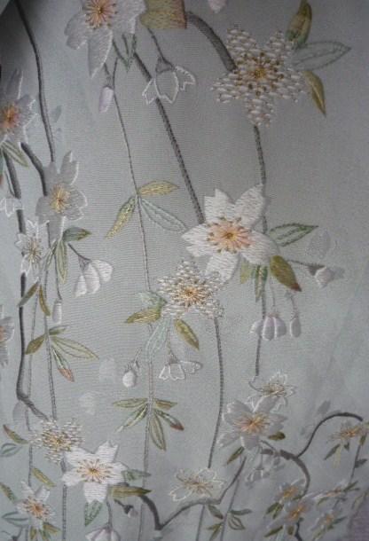 仕立てないで寝かせていた桜の訪問着。_f0181251_193825.jpg