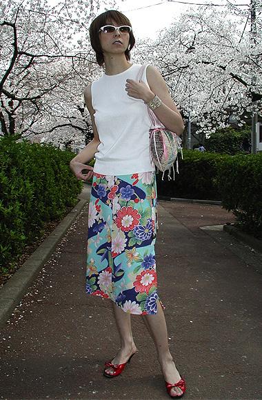ライン、抜群!両サイドスリットスカート「歩」よ〜♪_f0170519_19453100.jpg