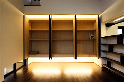 「国分寺の家」 2階のLDK  間接照明で浮かぶ壁面収納_f0230666_1351413.jpg