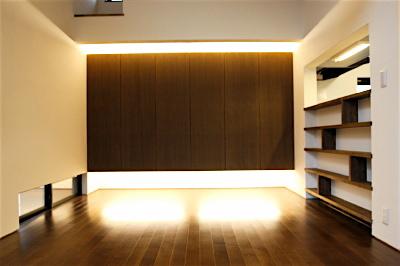 「国分寺の家」 2階のLDK  間接照明で浮かぶ壁面収納_f0230666_135395.jpg