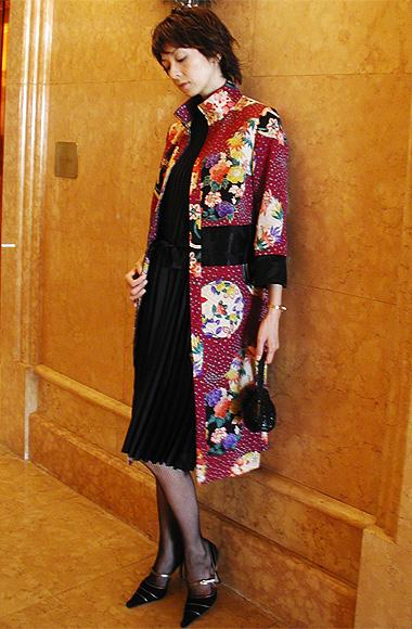 アンティークの花丸刺繍の生地にうっとり〜★_f0170519_1562864.jpg
