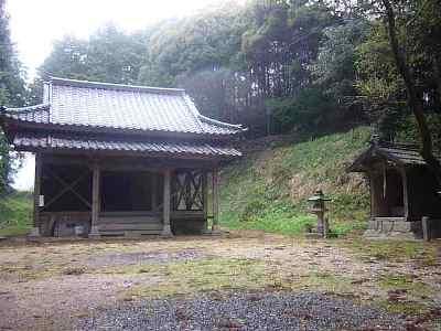 雨の夜須町。【2】 「宝満宮」に出会いました。_e0188087_0472772.jpg