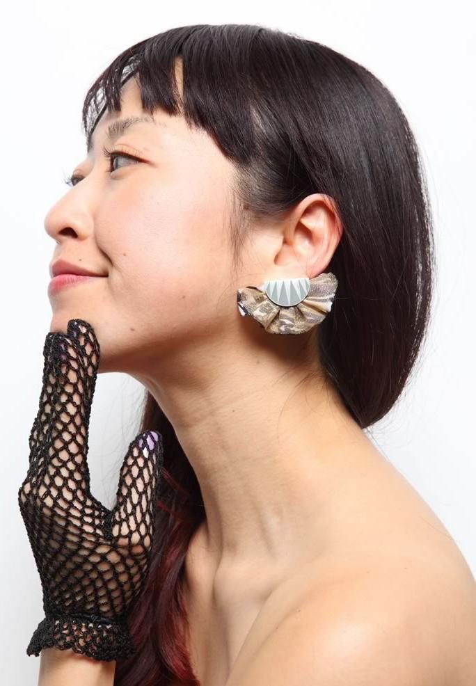 Frill earrings,new summer color_c0163890_14231349.jpg