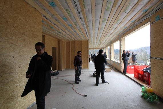 '10オーストリア・スイスのパッシブハウス・木造多層階研修4_e0054299_15141329.jpg
