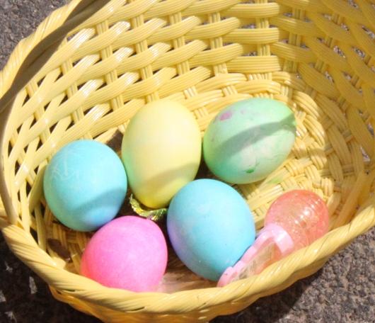 春のお祝いイベントのエッグハント風景_b0007805_12445990.jpg